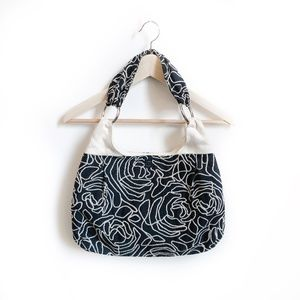 1154 Lill Studio Embroidered Textured Shoulder Bag